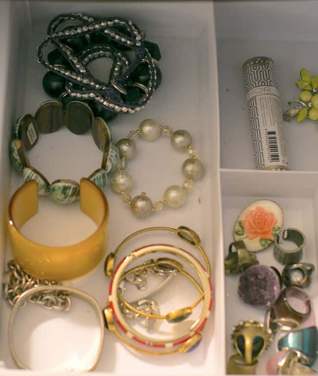 Jewelry Storage Ideas on Hello Glow