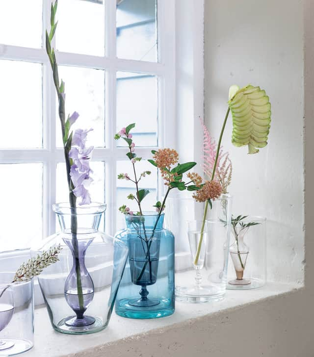 Diy Glass Vase Makeovers Hello Glow
