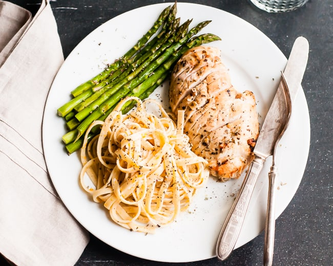 Lightened Fettuccine Alfredo with Chicken | Hello Glow