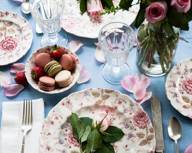 Feminine Table Setting for Two | Hello Glow