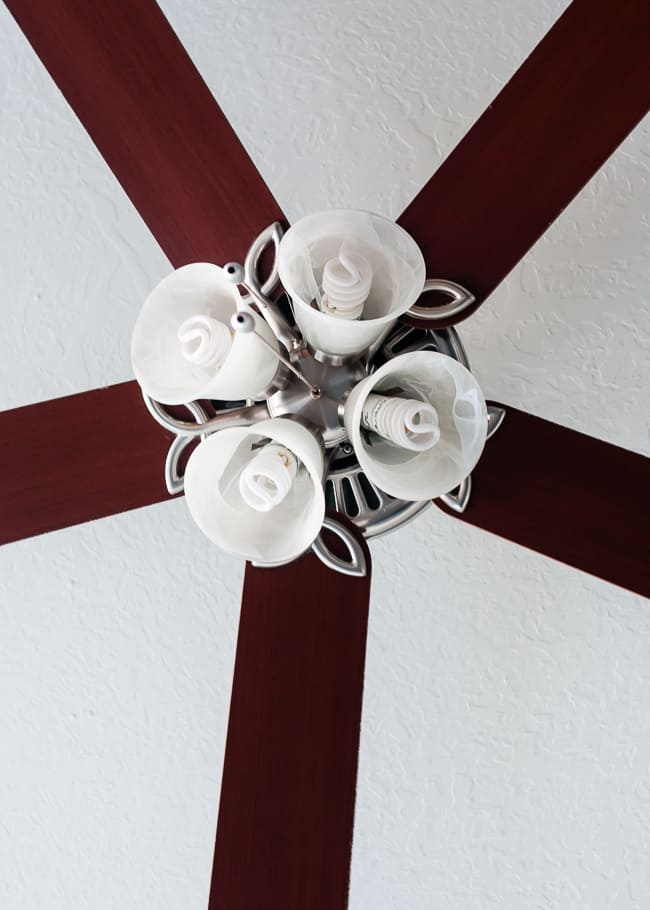 How To Clean the Ceiling Fan