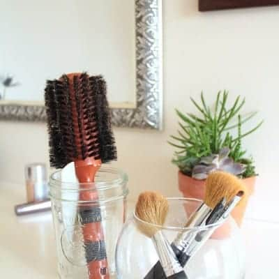 How to Spring Clean Your Makeup Drawer + 2 DIY Brush Cleaners