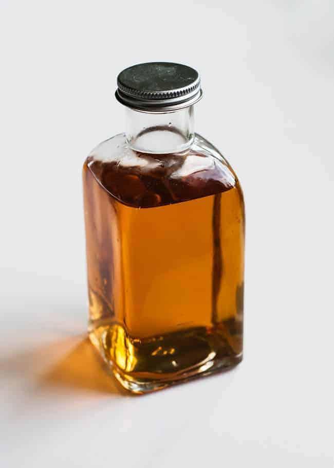 Apple Cider Vinegar Face Peel   10 1-Ingredient Natural Beauty Tips