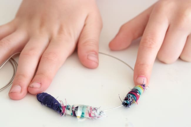 Fabric Bead Bracelet tutorial | Henry Happened
