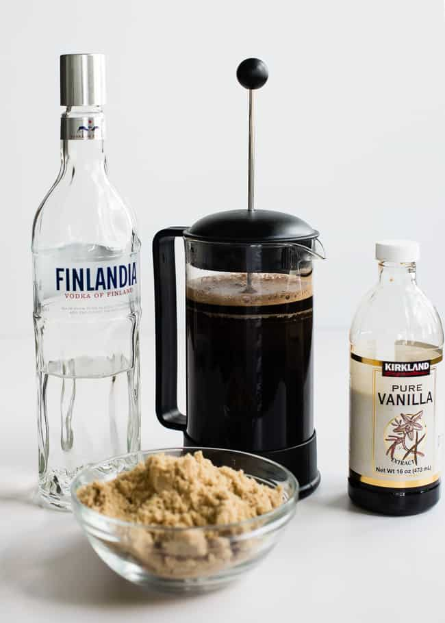 White Russian with DIY Kahlua | HelloGlow.co