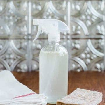 DIY Mold and Mildew Spray | HelloGlow.co