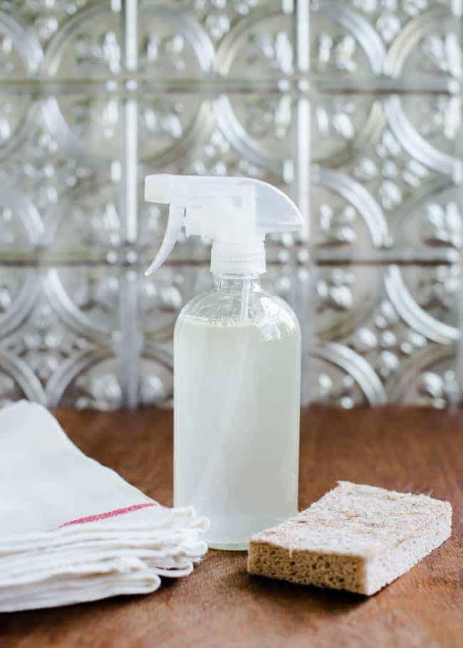 DIY Mold and Mildew Spray | HelloGlow.co
