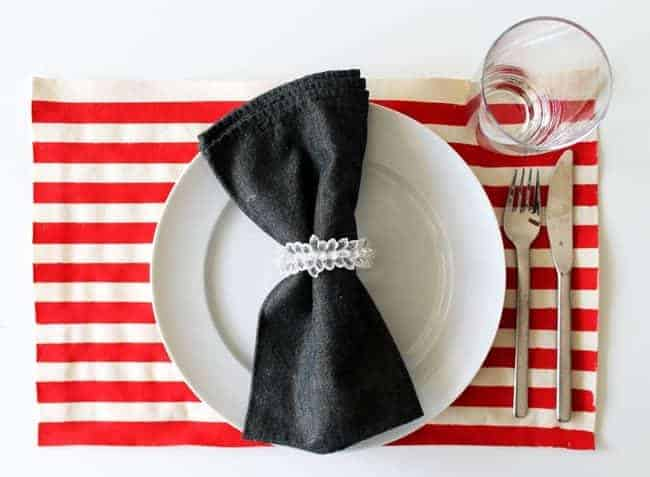 DIY: No-Sew 4th of July Painted Placemats
