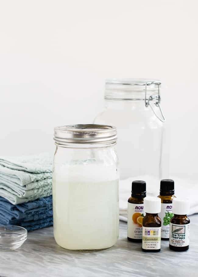 DIY natural disinfectant wipes | HelloGlow.co