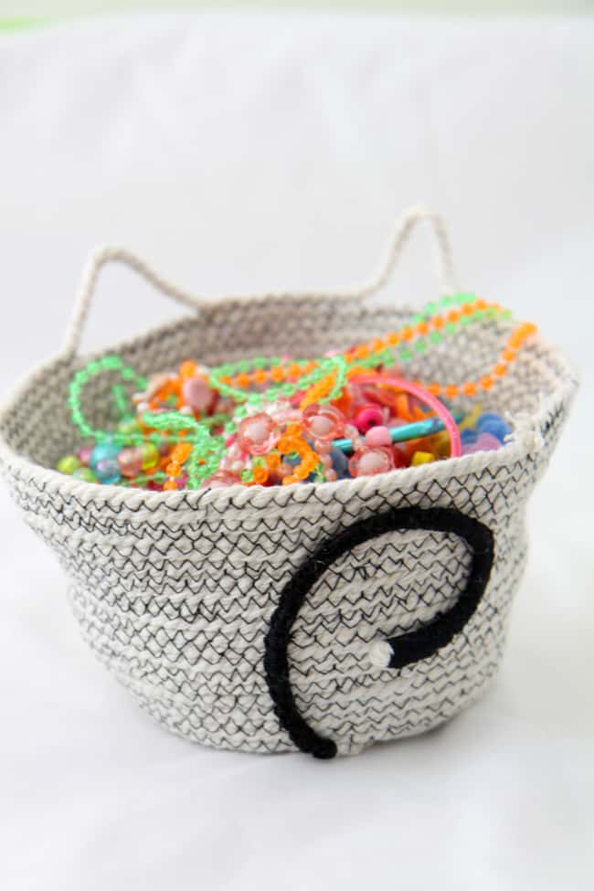 Cat DIY Rope Basket | HelloGlow.co