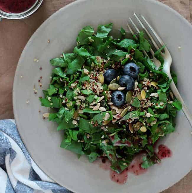 Watercress and Quinoa Salad with Blueberry Vinaigrette | HelloGlow.co