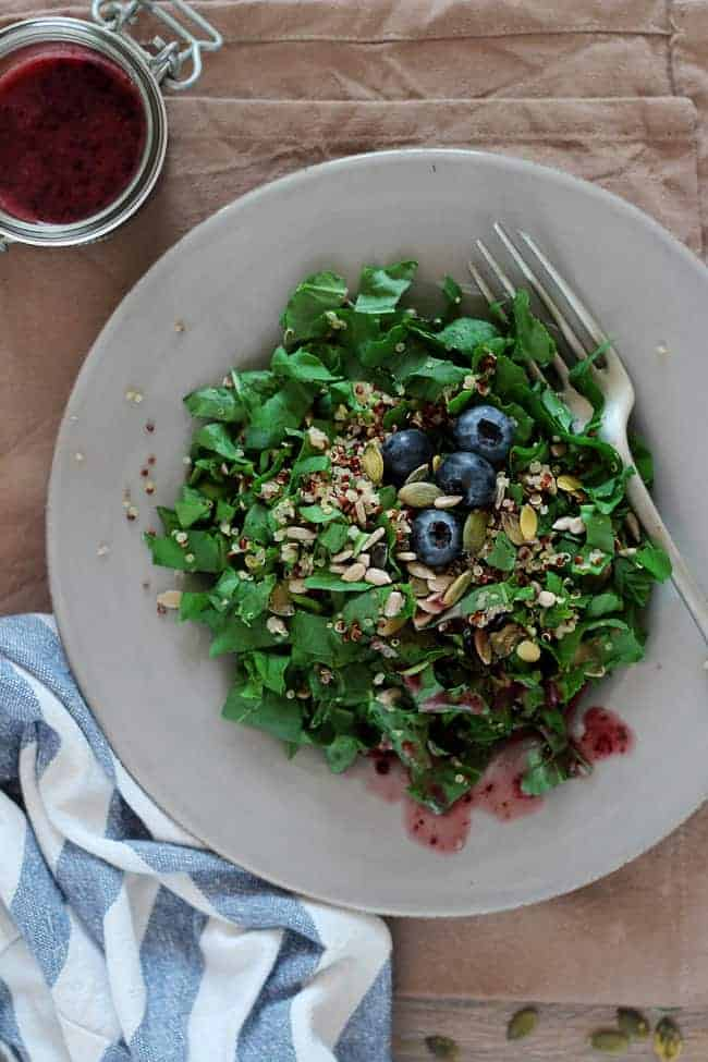 Watercress and Quinoa Salad with Blueberry Vinaigrette | A week of dinner recipes with quinoa