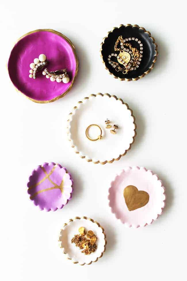 Piring Perhiasan Tanah Liat DIY yang Mudah | HelloGlow.co