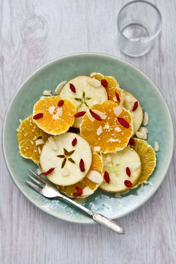 Oranges & Apples with Flaked Almonds, Sesame Seeds & Goji Berries