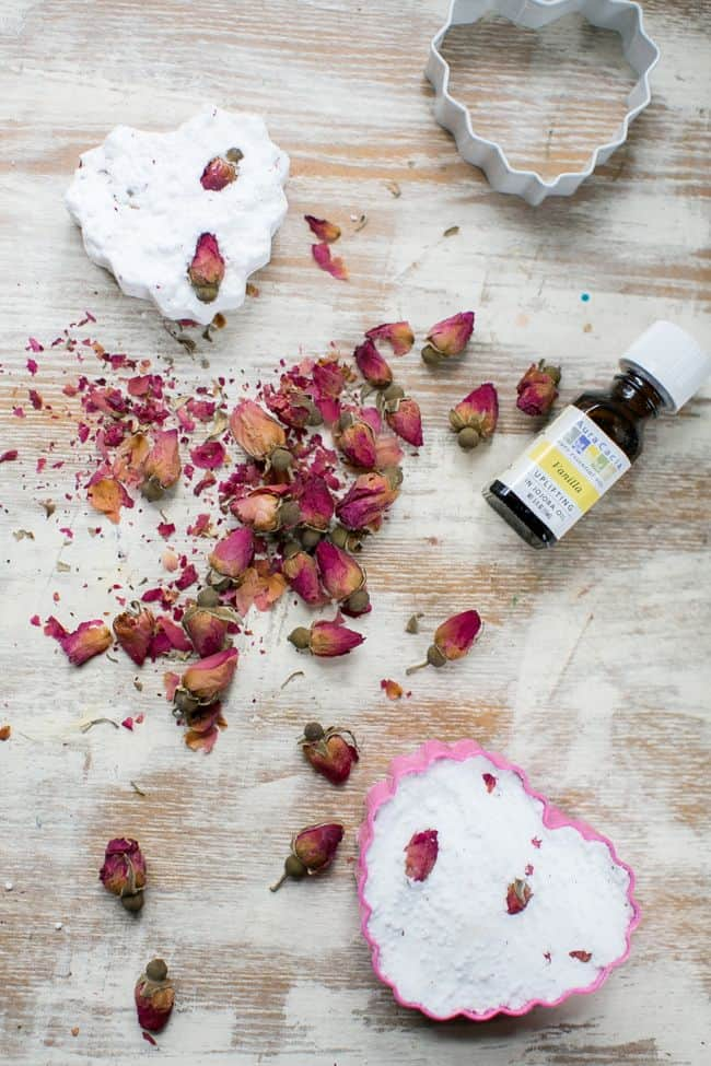 Dried rose bath bombs