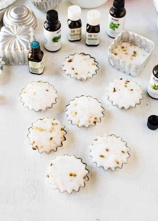 Tabletas de ducha de aromaterapia DIY |  HelloGlow.co