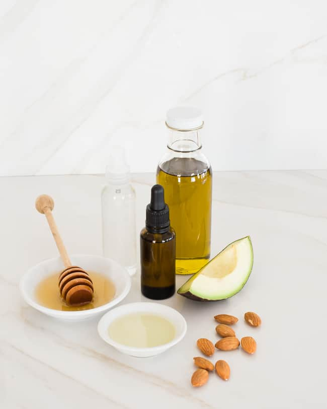 Moisturizing Face Oil | DIY Recipes to Soothe Your Winter Skin
