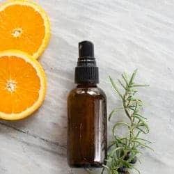 DIY Anti-Cellulite Oil + Honey Cellulite Massage
