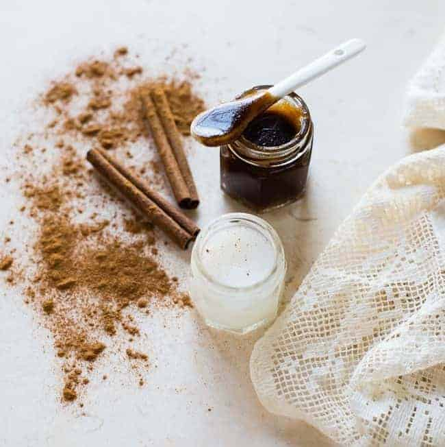 Homemade Lip Scrub with Cinnamon | HelloGlow.co