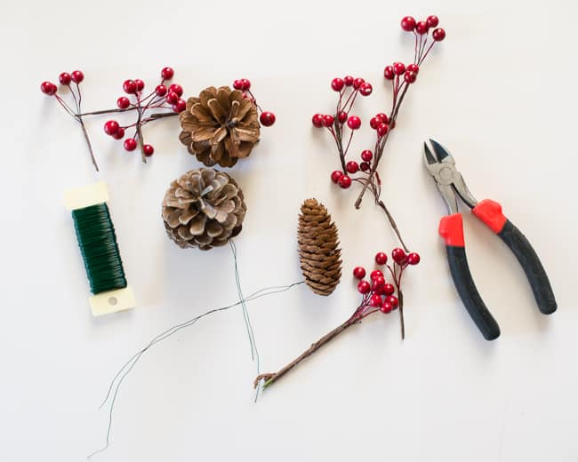 DIY Christmas Wreath | HelloGlow.co