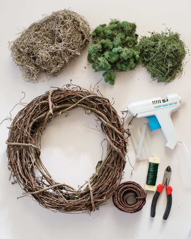 DIY Grapevine Wreath | HelloGlow.co