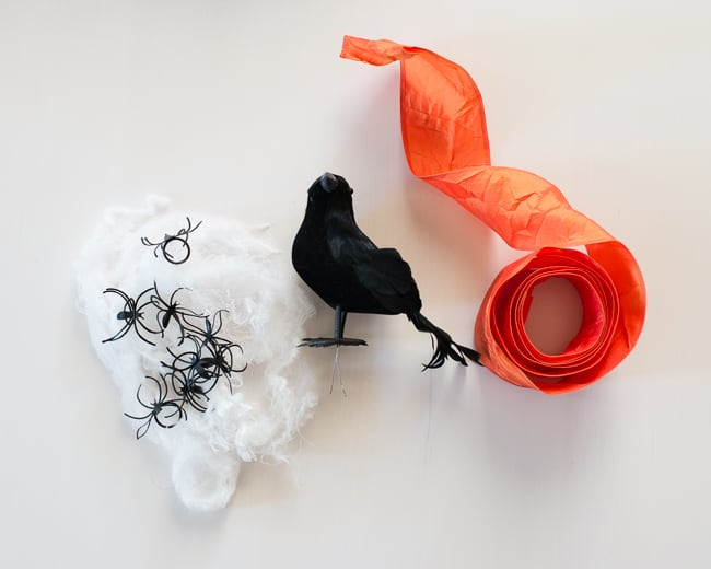 DIY Halloween Wreath | HelloGlow.co