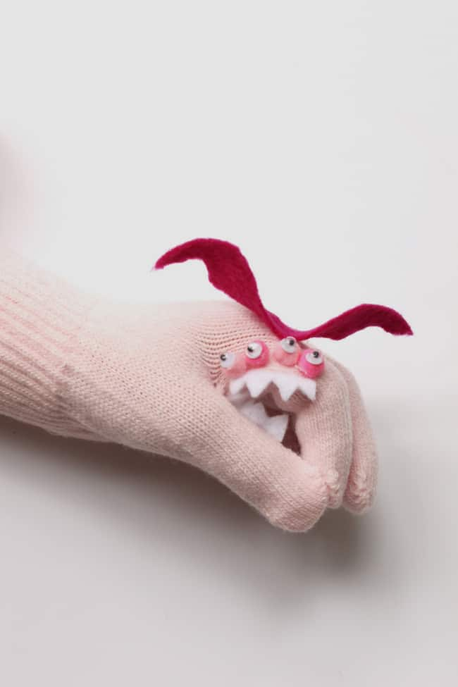 DIY Monster Puppet Gloves | helloglow.co