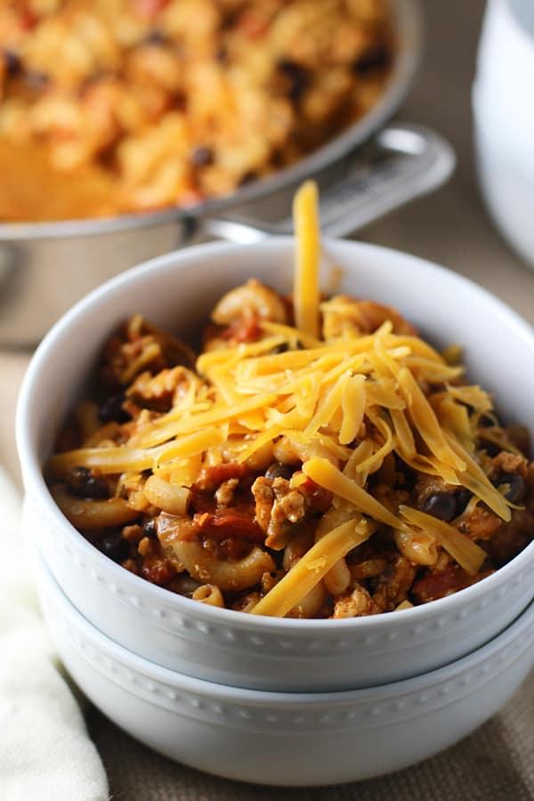 Skinny One Pot Chili Mac & Cheese