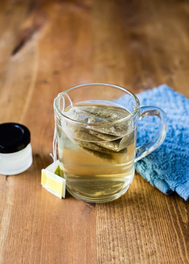 13 DIY Ways to Combat Eye Wrinkles - Chamomile Eye Mask