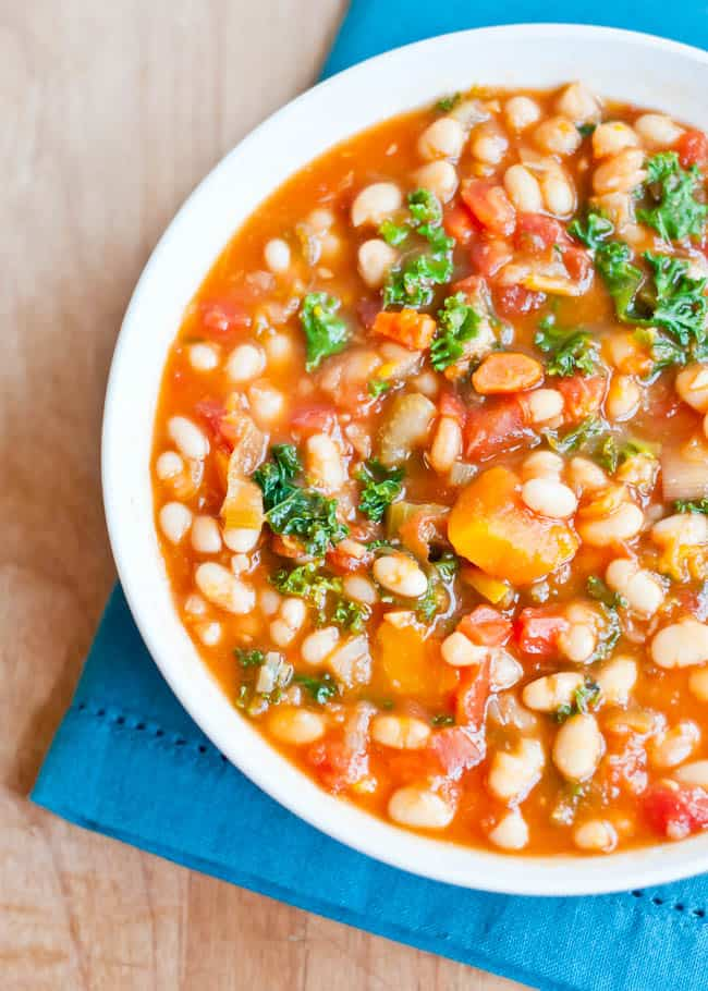 Hearty White Bean Vegetable Soup | HelloNatural.co