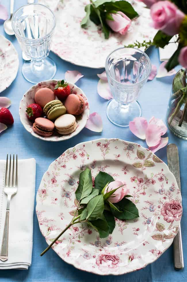 How to Create a Romantic Table Setting | Hello Glow