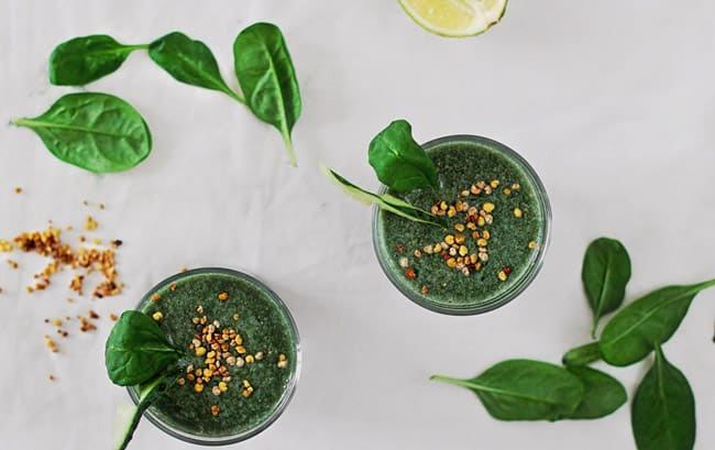 Green Smoothie for Eyes | 10 Ways to Detox Your Office