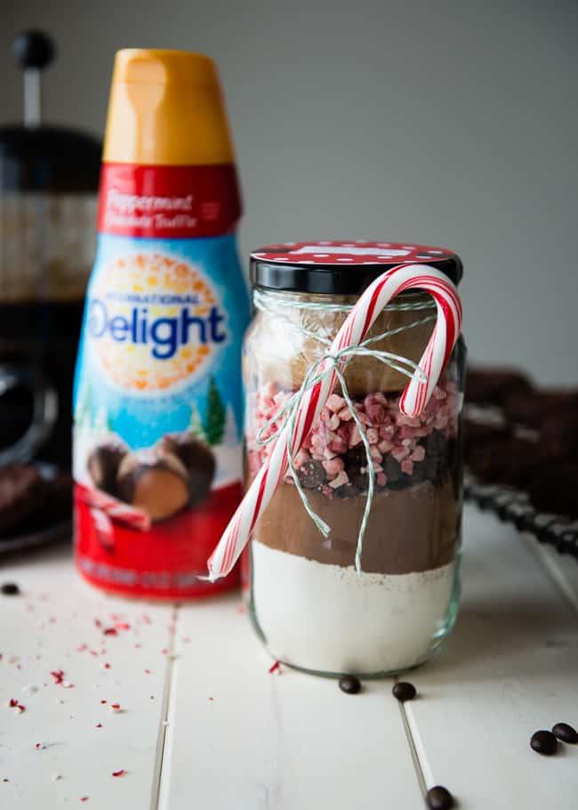 Peppermint Mocha Cookies in a Jar Gift | HelloGlow.co