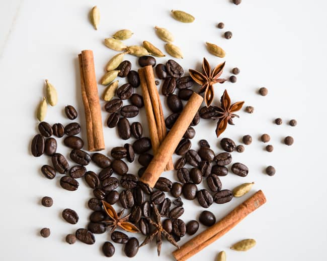 Spiced Coffee Pot Simmer | 3 Holiday Pot Simmer Recipes | HelloGlow.co