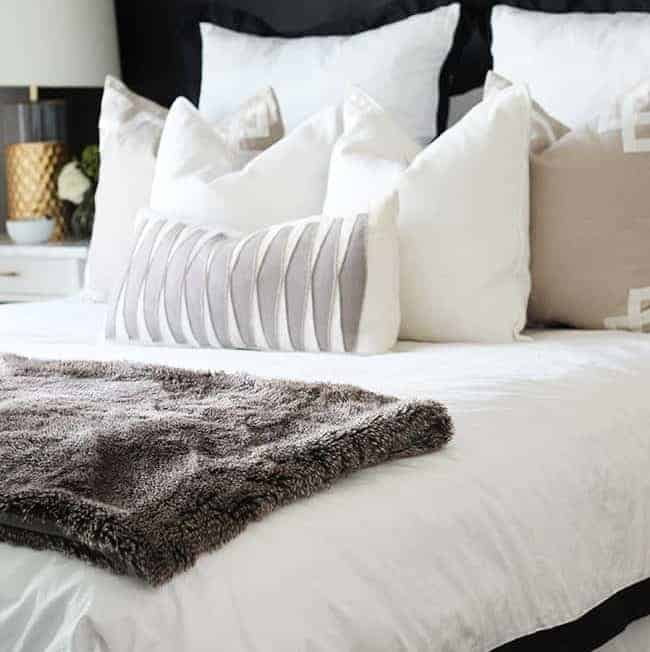 3 Ways to Style Your Bed