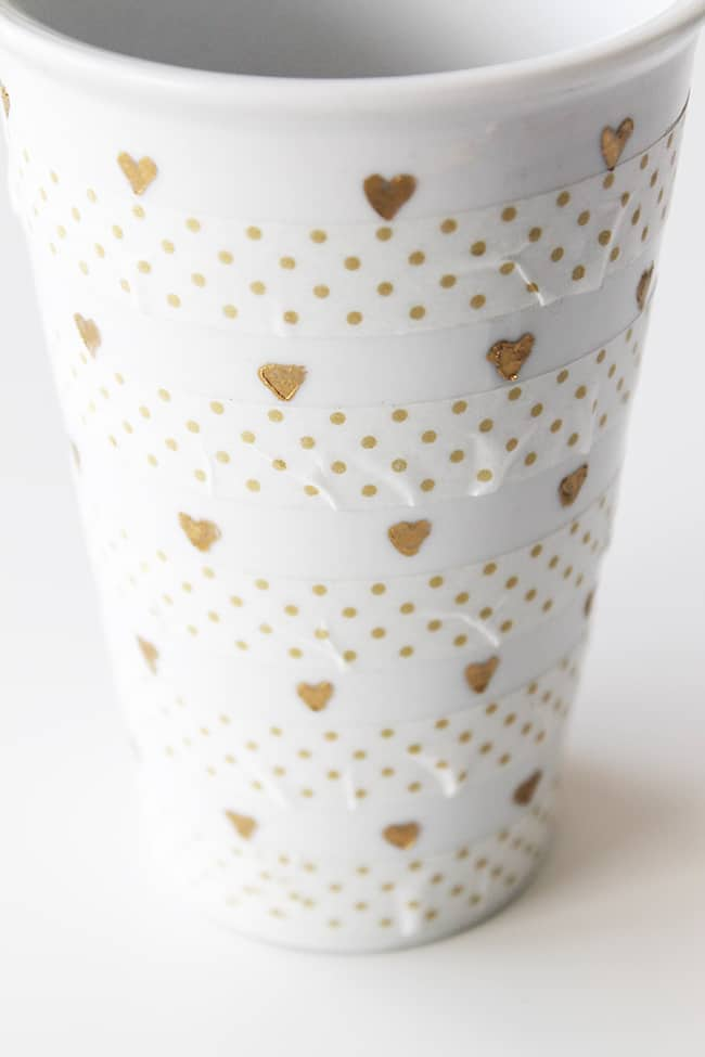 diy-mini-gold-foil-hearts-vase-for-valentines-day-9