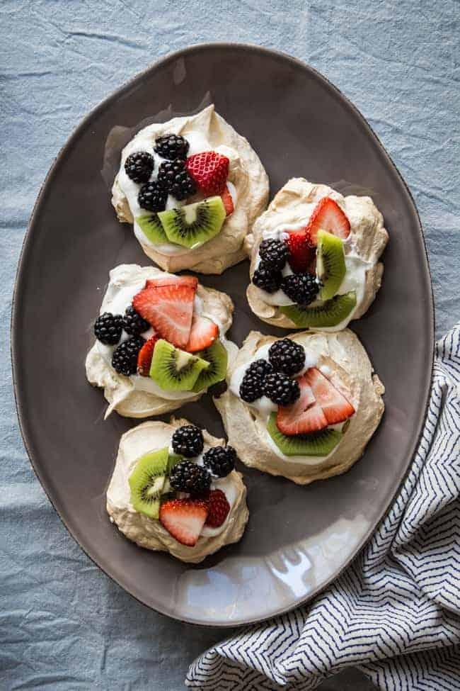 Easy Pavlova Recipe with Fresh Berries + Kiwi   Hello Glow