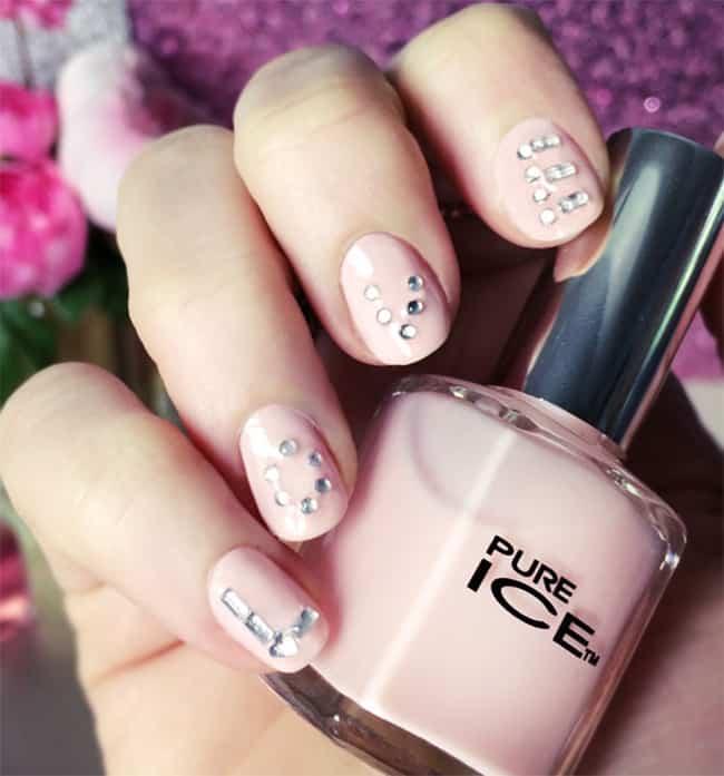 DIY Letter Nails   13 Pink Nail Tutorials