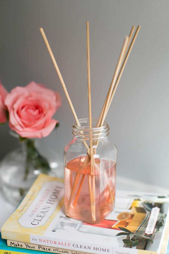 Recycled DIY Diffuser | 3 Natural Air Fresheners
