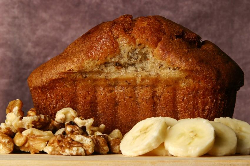 Banana Nut Bread Recipe | Honey Ridge Farms Giveaway