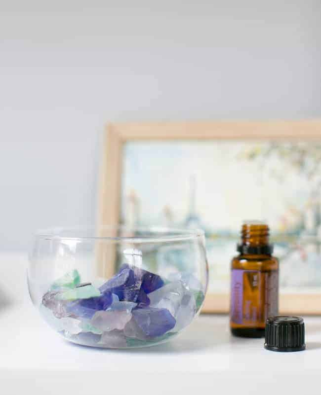 10 Essential Oils for Mood