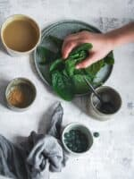 Spirulina smoothie recipe ingredients