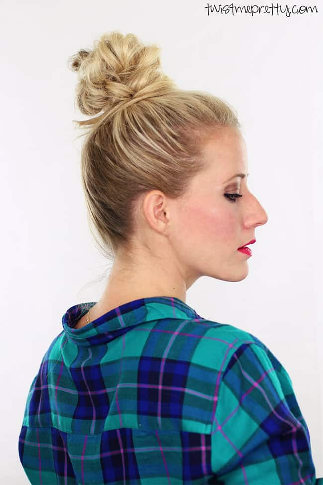 Fluffy top knot tutorial by Twist Me Pretty | 12 Bun Tutorials