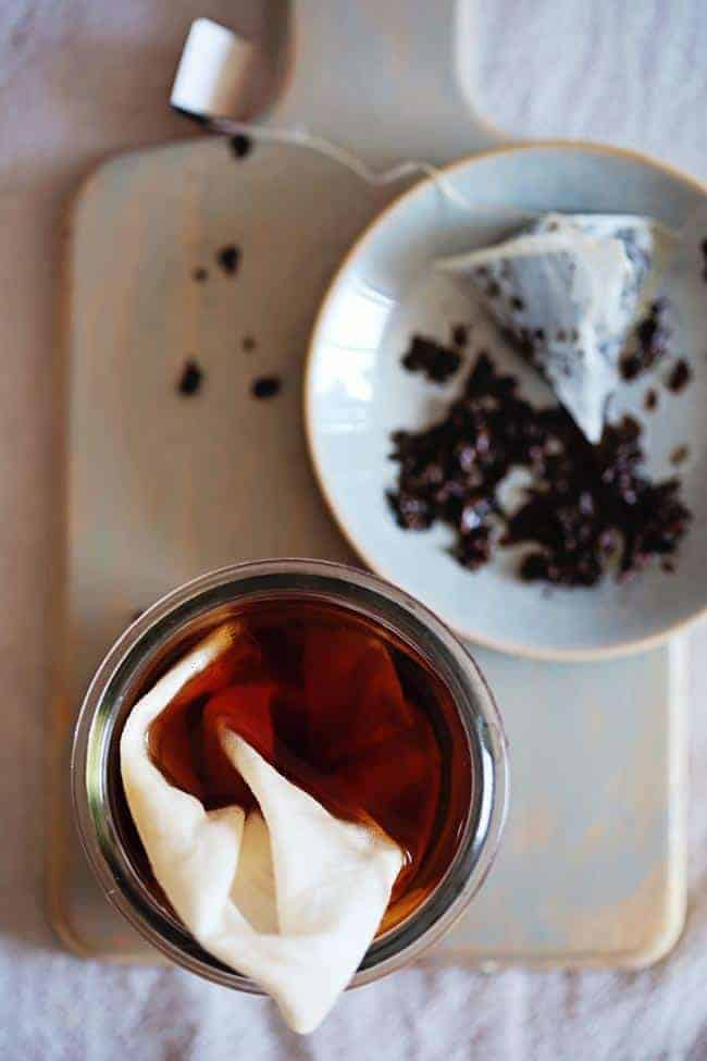 4 Beauty Uses of Black Tea
