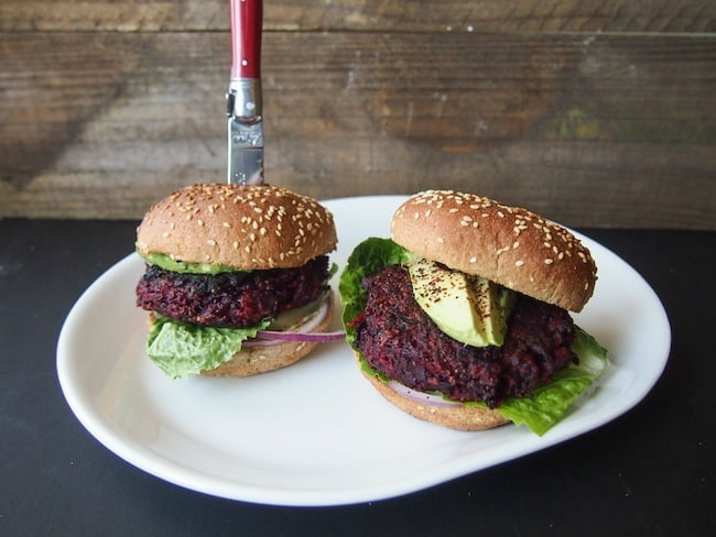 Beet Quinoa Burgers - Avocado A Day Nutrition | A week of dinner recipes with quinoa
