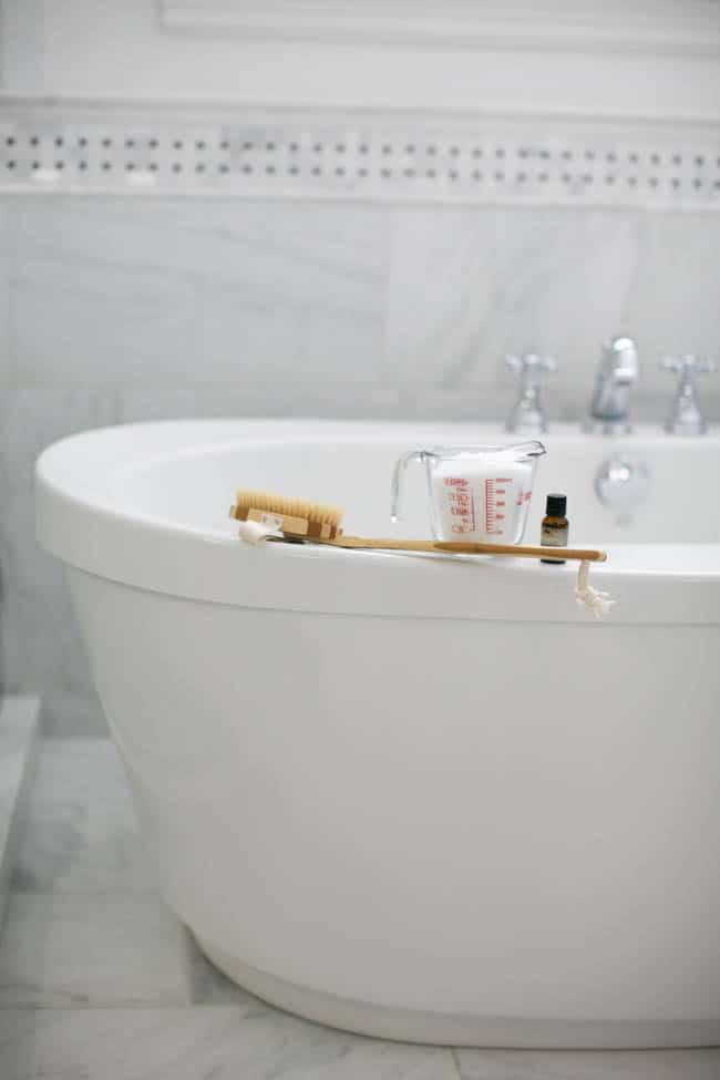 Everyday Bathroom Cleaning Tasks