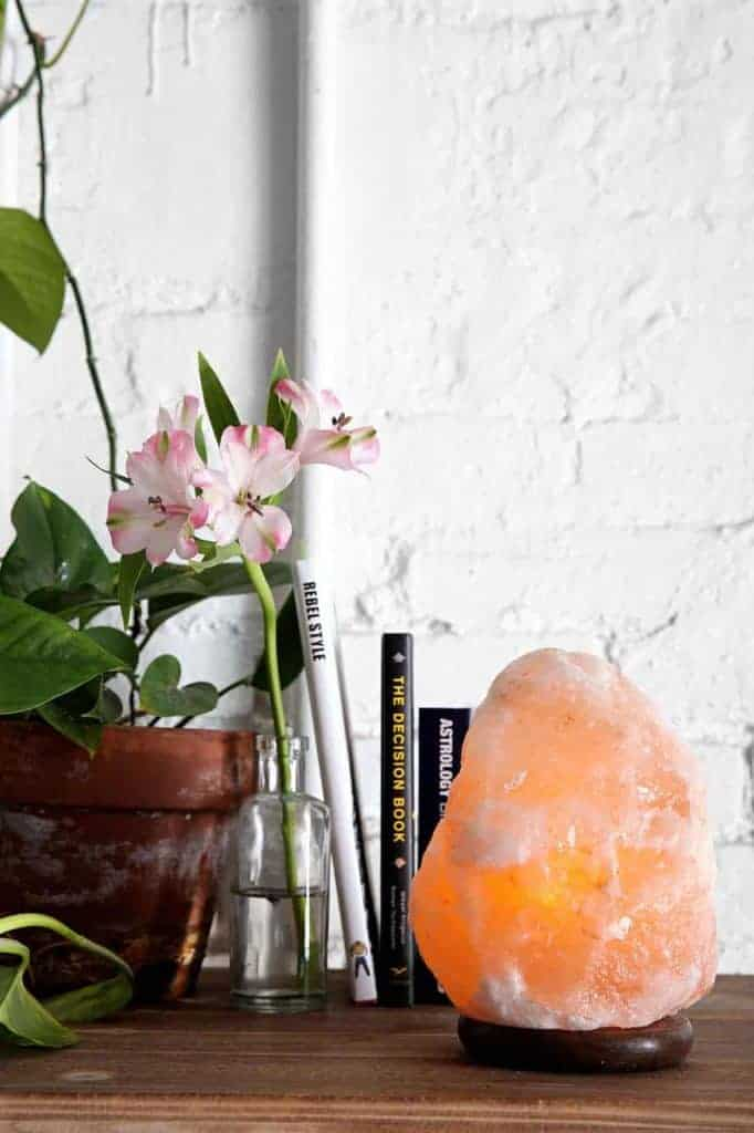 7 Things To Know About Buying A Salt Lamp Hello Glow