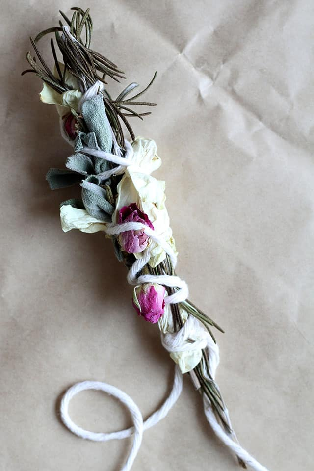 how to use sage smudge