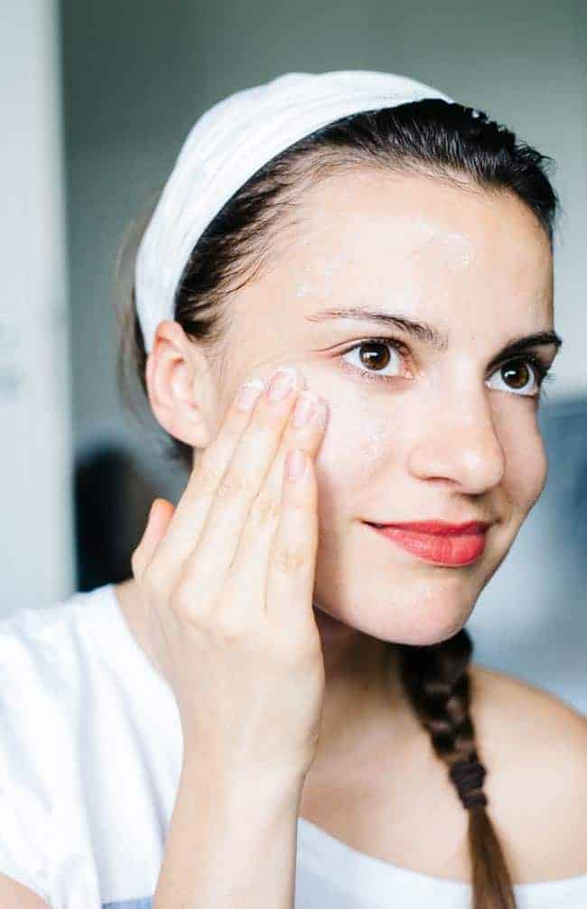 How to Get Rid of Blackheads Naturally | Hello Glow