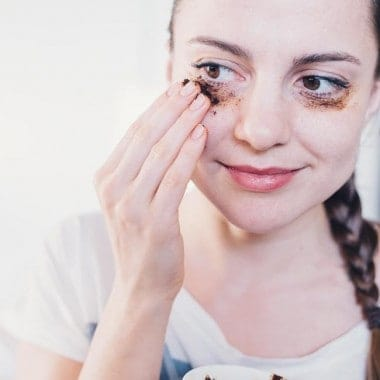 From Dark Circles to Fine Lines: 3 DIY Ways to Anti-Age Your Eyes
